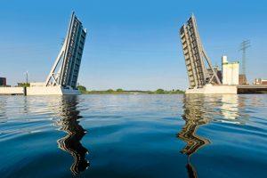 Die Retheklappbrücke in Hamburg ist für den Deutschen Brückenbau-Preis 2020 nominiert. Bild: Grassl / Grassl / HPA