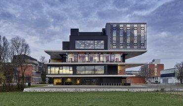 Experimentaleinheit Urban Mining & Recycling (UMAR). Architekten: Werner Sobek Group GmbH. Bild: Zooey Braun