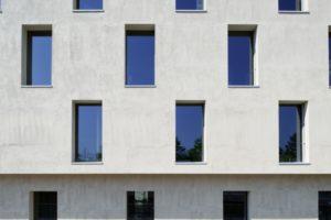 Gemeinsam mit dem Architekten Heinrich Degelo hat eine Gruppe von Künstlern ein Wohnatelierhaus auf dem Erlenmatt-Ost-Areal in Basel realisiert. Bild: Barbara Bühler