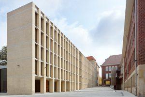 Hauptpreis mehrschalige Bauweise. Philosophisches Seminar am Domplatz in Münster. Peter Böhm Architekten, Köln. Bild: Lukas Roth