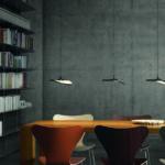 Ideal für die Beleuchtung von Arbeitsflächen, Esstischen oder Tresen: die flexible und kabellose, akkubetriebene Gravity CL wird ohne vordefinierten Kabelauslass dort eingesetzt, wo sie benötigt wird. Bild: DesignRaum GmbH