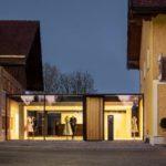 Umbau eines ortsbildprägenden Hofensembles zur einer Schneiderei in Schleedorf