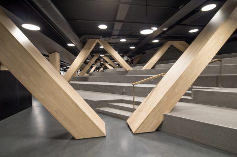 "Zentralbibliothek ""Oodi"" von ALA Architects in Helsinki. Bild: Danica O. Kus"