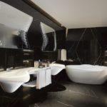 Badezimmer im Luxus-Hotel ME Dubai von Zaha Hadid