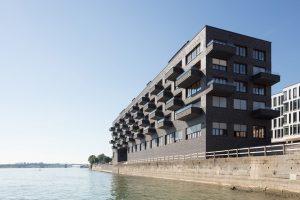 Sonderpreis gelungene Konversion. Wohnhaus mit Gewerbe und Gastronomie, Mainz. Lorenzen Mayer Architekten, Berlin. Bild: Marcus Ebener