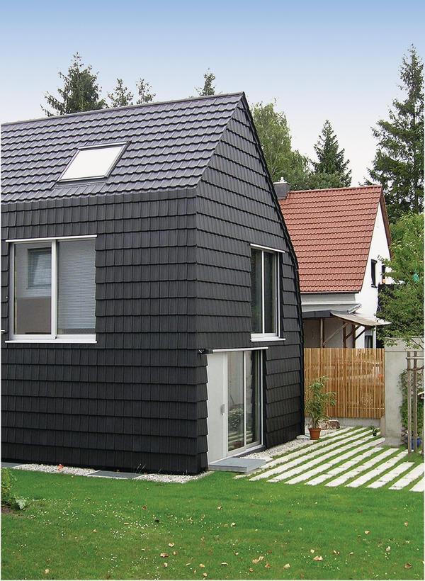 Geneigtes dach neu interpretiert for Modernes haus ohne dach