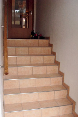 leichte alternative zu fertig betontreppen. Black Bedroom Furniture Sets. Home Design Ideas