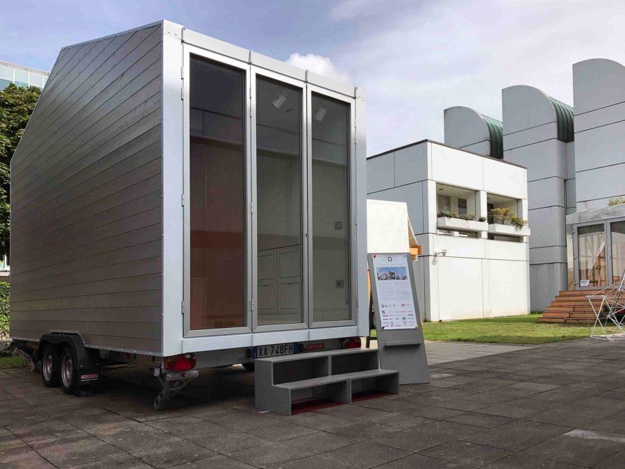 aVOID, das mobile 9-Quadratmeter-Mini-Haus des 27-jährigen italienischen Architekten Leonardo Di Chiara, ist derzeit auf Tour durch Deutschland, die Schweiz und Italien. Bild: Häfele / Di Chiara