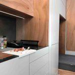 So verwandelt sich der 9-Quadratmeter-Raum in eine Küche ... Bild: Häfele / Di Chiara