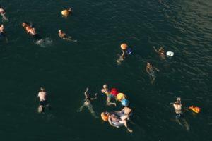 Fluss-Schwimmen, Foto aus Ausstellung Swim City im DAZ Berlin