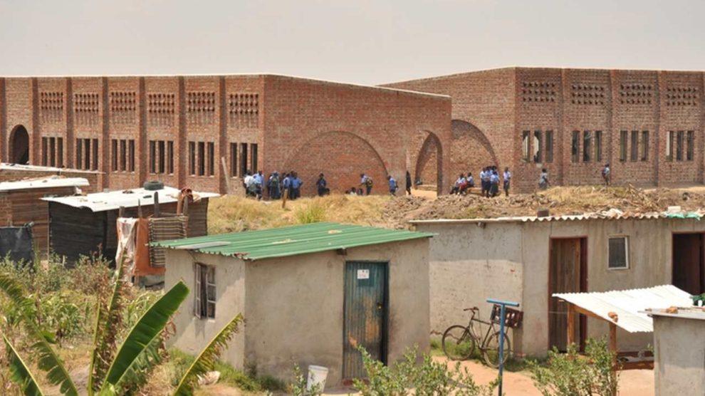 Schulgebäude aus Ziegeln in Simbabwe