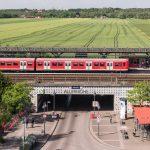IBA Hamburg: Projektgebiet Oberbillwerder; Blick vom Aussichtsturm auf dem Fleetplatz am Bahnhof Hamburg-Allermoehe. Bild: IBA Hamburg GmbH / Johannes Arlt
