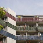 Gute Wohnatmosphäre trotz Dichte: Balkone der Genossenschaftssiedlung Himmelrich 2 in Luzern. Bild: Franca Pedrazzetti, Luzern.