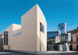 Blick von der Straße Hinter dem Gießhaus: Erweiterungsbau Deutsches Historisches Museum, Berlin.