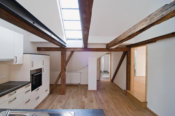 Küche und Wohnräume sollten mit emissionsarmen Bauprodukten ausgestattet sein.