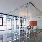 Die umsetzbare Trennwand für flexible Bürostrukturen. Bild: Goldbach Kirchner