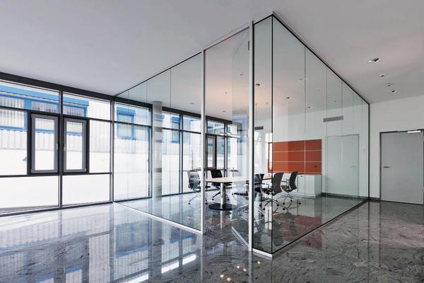 Die umsetzbare Trennwand für flexible Bürostrukturen.