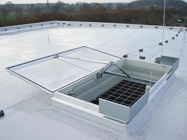 Lichtkuppel  Sicherungsmaßnahmen für Lichtkuppeln. Doppelt geschützt