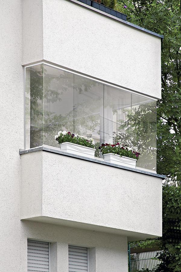 Balkonverglasung außen geschlossen Bild: Sprinz
