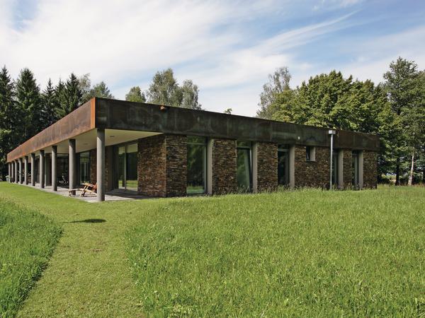 sanierung eines wohn bungalows in der n he von augsburg erdig verblendet. Black Bedroom Furniture Sets. Home Design Ideas