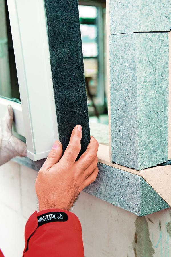 Durchdachte und zeitgemäße Fenstermontage nicht mehr in, sondern vor der Wand - mit trioplex+.
