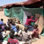 Unterricht unter freiem Himmel in Simbabwe