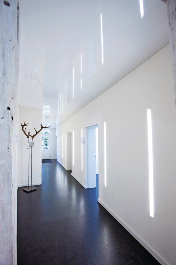 umbau eines forsthauses zur zahnarztpraxis in bad herrenalb elegant verspannt. Black Bedroom Furniture Sets. Home Design Ideas