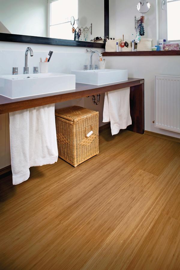 bambus auch im bad. Black Bedroom Furniture Sets. Home Design Ideas