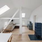 Im Dachgeschoss entstand hochwertiger Wohnraum, der mit angenehmer Strahlungswärme beheizt wird.