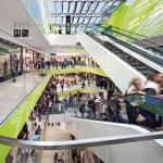 Einkaufen auf 45 000 m² in modernstem Ambiente bei Tageslicht von oben. Bilder: Jens Kirchner