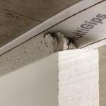 Elastisch angeschlossen, akustisch entkoppelt: Weiterleitung von Körperschall wird reduziert, die Flankendämmung der Wand erhöht. Bilder: MultiGips
