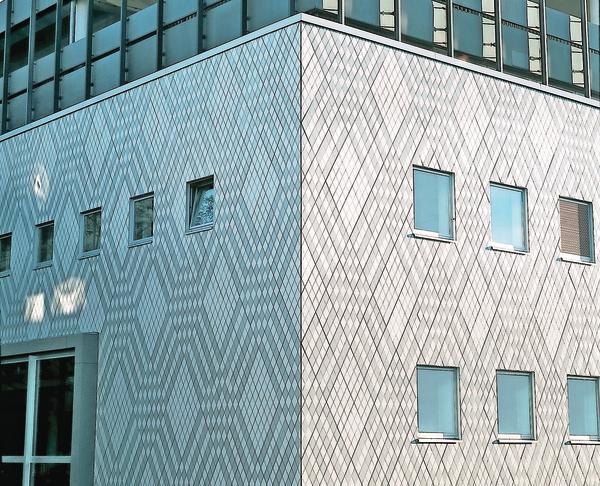 Frische Optik mit uraltem Material: Keramische Fliesen und Platten für die Fassadengestaltung