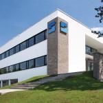 Beim Neubau des Verwaltungsgebäudes wurde auf energiesparenden Betrieb geachtet. Bilder: Adolf Steinbach Steinindustrie-Schotterwerke GmbH & Co. KG