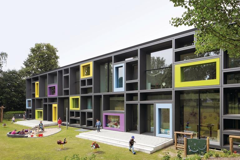 Neubau einer Betriebs-Kindertagesstätte in Hamburg. Bilder: Werner Huthmacher