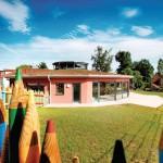 Ein Kindergarten mit großflächigen Fensterfronten. Bilder: Kneer-Südfenster