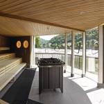 Mit Blick auf das Wehr und die gegenüberliegende Insel bietet die Sauna eine beeindruckende Aussicht. Bilder: David Matthiessen, Stuttgart