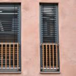 Die Fenster folgen einem offenen Gestaltungsprinzip. Das ließ Spielraum für die Wünsche der Bewohner.