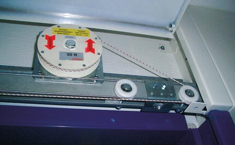 Stromlose Schließ-und Dämpfungssysteme für automatische Schiebetüren. Bild: Dictator