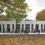 Eingeschossiger Neubau mit großen Lichtöffnungen. Bilder: Michael Reisch, Düsseldorf