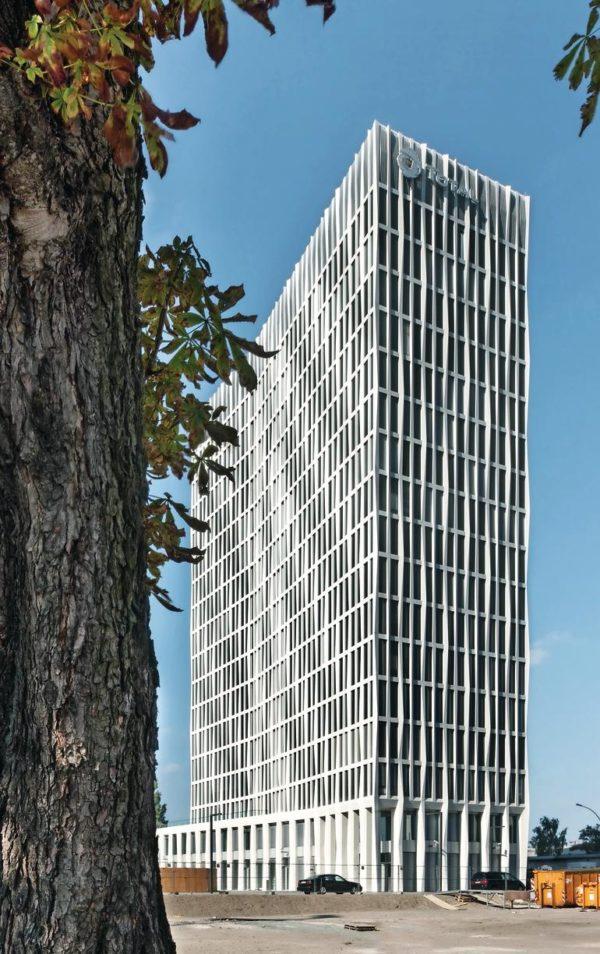Fassadengestaltung miit Betonfertigteilen - ohne Ansichtsüberraschungen. Bild: BetonBild/Corinne Rose