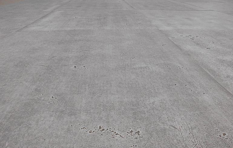 Fußboden In Betonoptik ~ Doppelboden mit raum für kabel in betonoptik
