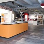 Innerhalb kurzer Zeit waren 800 m² Design-Belag und Teppichboden ohne Staub, Geruch und Lärm verlegt. Bild: Nicholas King