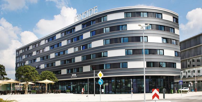 Das Hotel besticht durch seine exzellente Lage in der Innenstadt direkt neben der Volkswagen AG.