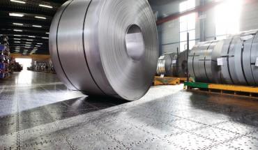 Hochbelastbarer Industrieboden aus Stahl z.B. für die schwerindustrie und auch Logistikbranche.