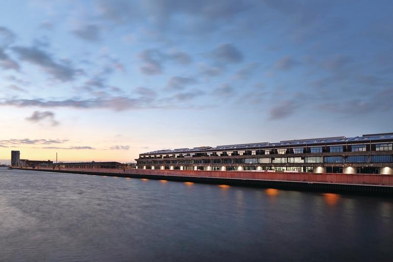 Wärmebrückenminimiert: Das ehemaligen Lagerhaus am Bremer Europahafen. Bilder: Schollglas | Conné van d'Grachten
