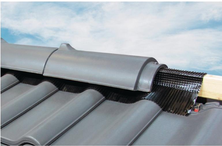 Abdeckung eines Dachgiebels. Bild: Wienerberger