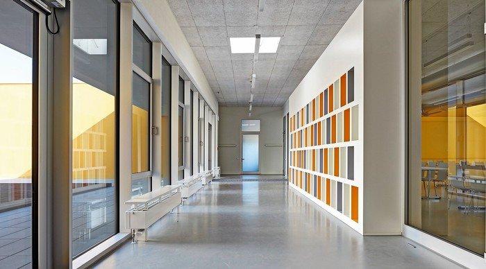 neubau einer ganztagesschule mit mensa in heilbronn sontheim geradlinige komposition. Black Bedroom Furniture Sets. Home Design Ideas