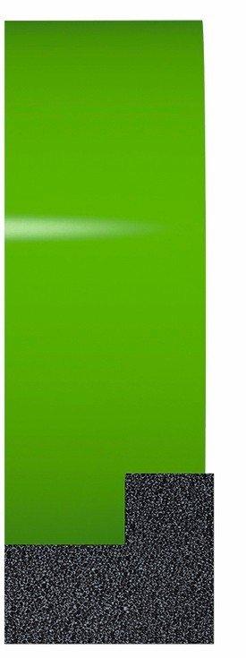 Teerplane mit grünem Hintergrund.