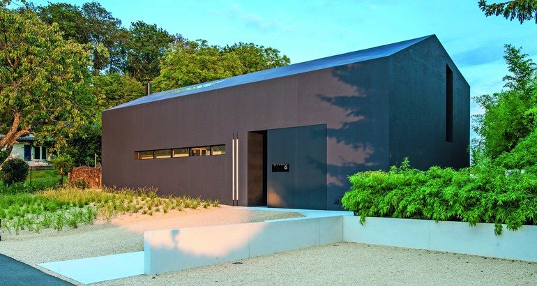 Wochenendhaus aus Leichtbeton: Monolithische Wirkung ohne horizontale Fugen. Bilder: Steffen Fuchs, HeidelbergCement