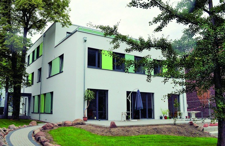 Eine gemeinnützige Einrichtung für psychisch kranke Menschen im Kreis Herford hat eine effiziente Flächenheizung mit Verteilertechnik erhalten.